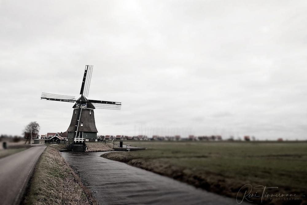 Windmill at Volendam, Noord Holland