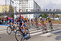 Semi-professional cycle racing, San Pedro de Alcantara, Marbella, Malaga, Province, Spain, March 2015. Spectators watch from the elevated pedestrian walkway along the new Bulevar aka Boulevard. 201503140596<br />