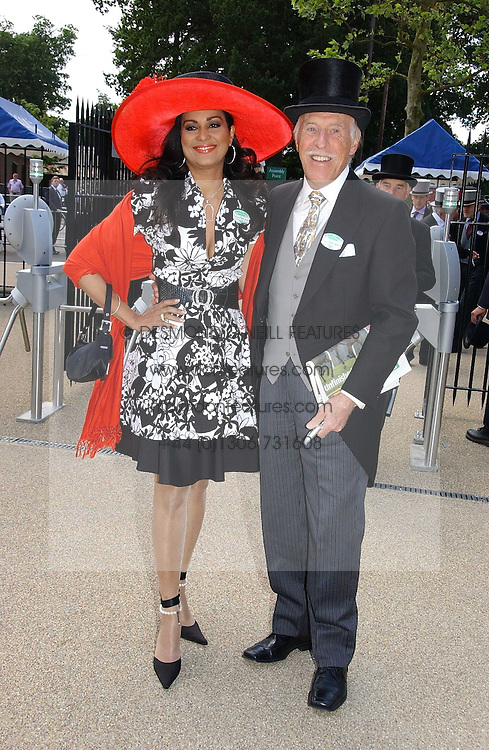 BRUCE FORSYTH and his wife WILNELIA at the 3rd day - Ladies Day of Roayl Ascot 2006 on 22nd June 2006.<br />