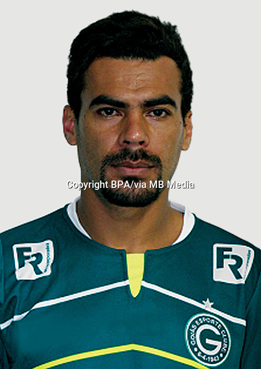 CLEMERSON DE ARAÚJO SOARES   ( Goiás Esporte Clube )