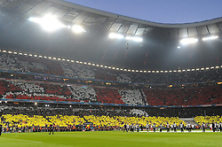 29.04.2014, Allianz Arena, Muenchen, GER, UEFA CL, FC Bayern Muenchen vs Real Madrid, Halbfinale, Ruckspiel, im Bild Imposante Fan-Choreograhie in der Allianz Arena vor Spielbeginn. // during the UEFA Champions League Round of 4, 2nd Leg Match between FC Bayern Munich vs Real Madrid at the Allianz Arena in Muenchen, Germany on 2014/04/30. EXPA Pictures © 2014, PhotoCredit: EXPA/ Eibner-Pressefoto/ Stuetzle<br /> <br /> *****ATTENTION - OUT of GER*****