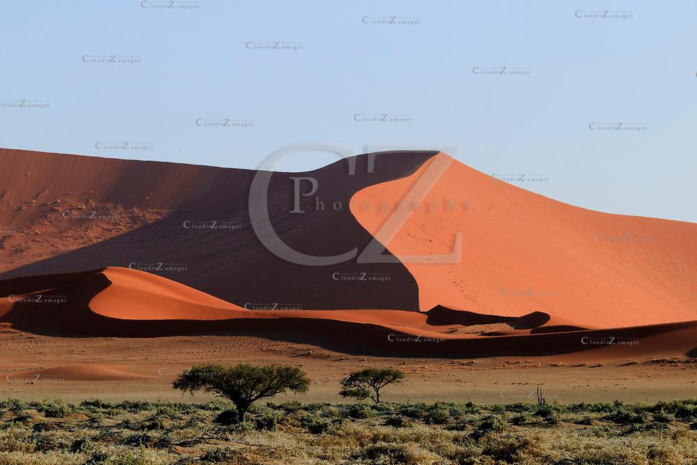 Dune Sossusvlei, Namib Desert, Namibia, Africa<br /> &copy;Claudio Zamagni