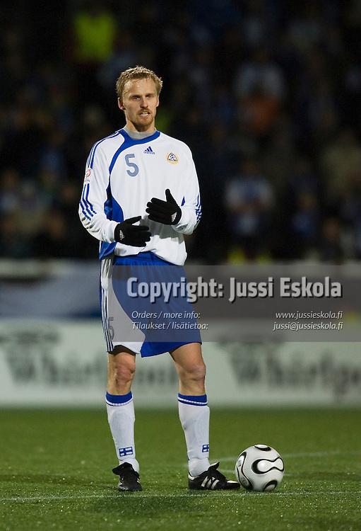 Hannu Tihinen.&amp;#xA;Suomi-Armenia, Finnair Stadium, Helsinki 15.11.2006. EM-karsintaa.&amp;#xA;Photo: Jussi Eskola<br />