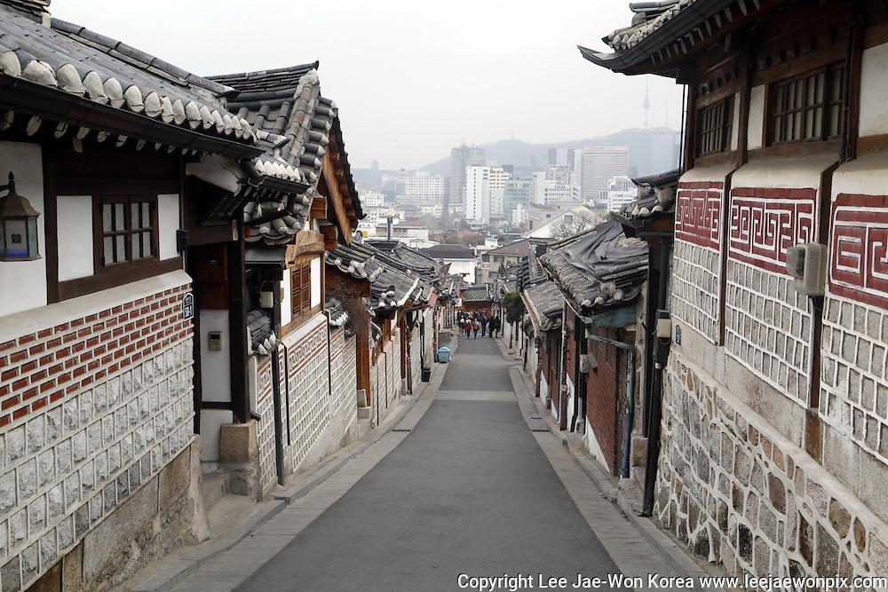 Korean traditional Hanok village in Seoul, South Korea March. / Lee Jae-Won