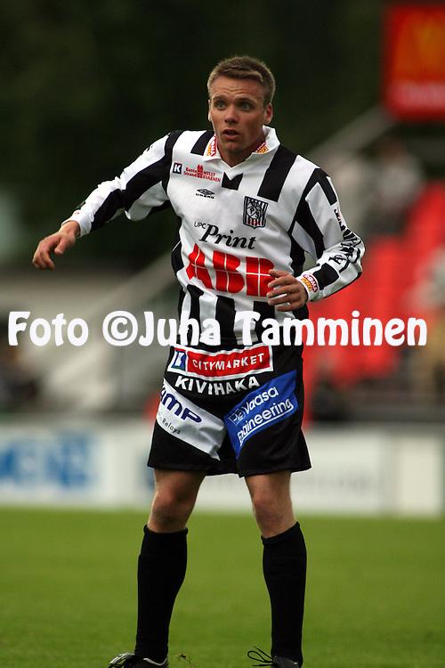11.06.2007, Hietalahti, Vaasa, Finland..Veikkausliiga 2007 - Finnish League 2007.Vaasan Palloseura - AC Oulu.Toni Hahto - VPS.©Juha Tamminen.....ARK:k