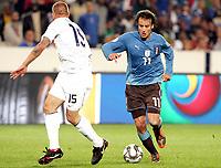 Fotball<br /> 15.06.2009<br /> Italia v USA<br /> Confederations Cup 2009<br /> Foto: Gepa/Digitalsport<br /> NORWAY ONLY<br /> <br /> Bild zeigt Jay DeMerit (USA) und Alberto Gilardino (ITA)