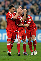 03-04-2010 VOETBAL: SCHALKE 04 - BAYERN MUNCHEN: GELSENKIRCHEN<br /> Muenchen wint met 2-1 van Schalke / Frank Ribery scoort de 1-0 en viert dit met Diego Contento en Ivica Olic<br /> ©2010- FRH nph / Conny Kurth