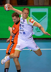 11-04-2019 NED: Netherlands - Slovenia, Almere<br /> Third match 2020 men European Championship Qualifiers in Topsportcentrum in Almere. Slovenia win 26-27 / Alec Smit #27 of Netherlands, Tilen Kodrin #20 of Slovenia