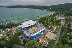 28.07.2015, Strandbad, Klagenfurt, AUT, A1 Beachvolleyball EM 2015, im Bild Übersicht auf die Beach Volleball Arena in Klagenfurt aus der Vogelperspektive, Aufgenommen mit einer Drohne, Luftbild // Overview on the Beach volleyball arena in Klagenfurt bird's-eye view, taken with a drone, Aerial view during the A1 Beachvolleyball European Championship at the Strandbad Klagenfurt, Austria on 2015/07/28. EXPA Pictures © 2015, EXPA Pictures © 2015, PhotoCredit: EXPA/ Mag. Gert Steinthaler