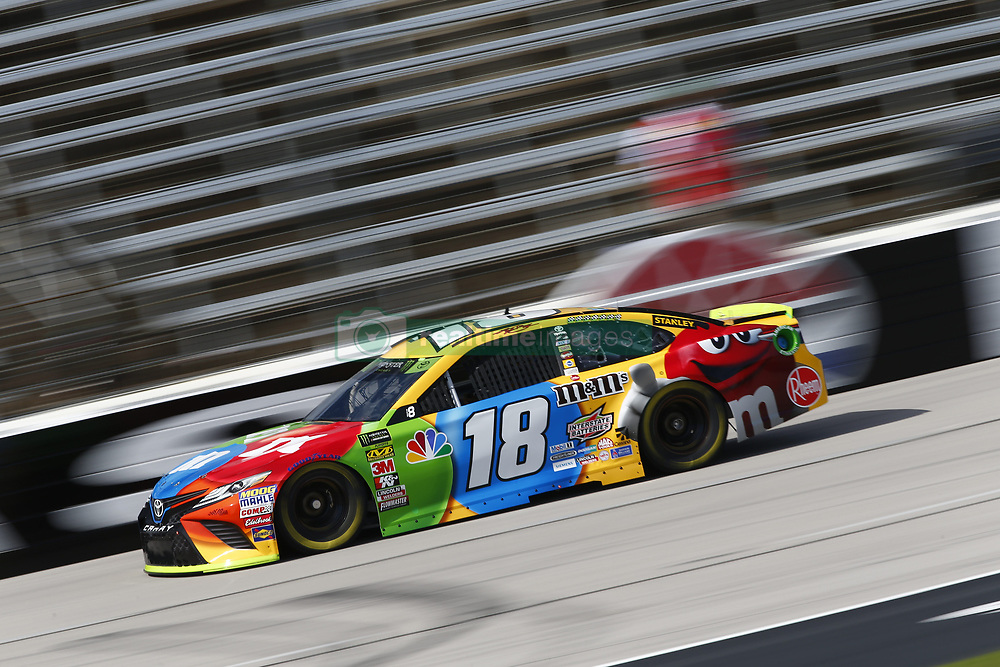 November 2, 2018 - Ft. Worth, Texas, United States of America - Kyle Busch (18) takes to the track to practice for the AAA Texas 500 at Texas Motor Speedway in Ft. Worth, Texas. (Credit Image: © Justin R. Noe Asp Inc/ASP via ZUMA Wire)