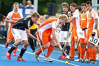 UTRECHT - Klaas Vermeulen van Oranje  met Jan Philipp Rabente (l) van Duitsland, zaterdag tijdens de  hockey interland tussen de mannen van Nederland en Duitsland (4-2). COPYRIGHT KOEN SUYK