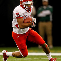 November 10, 2011; New Orleans, LA, USA; Houston Cougars running back Charles Sims (5) runs for a touchdown against the Tulane Green Wave during the second quarter at the Mercedes-Benz Superdome.  Mandatory Credit: Derick E. Hingle-US PRESSWIRE