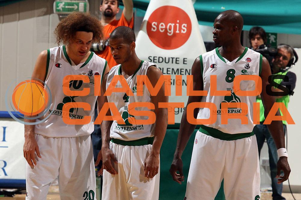 DESCRIZIONE : Siena Lega A1 2006-07 Montepaschi Siena Armani Jeans Milano<br /> GIOCATORE : Stonerook Forte Eze<br /> SQUADRA : Montepaschi Siena <br /> EVENTO : Campionato Lega A1 2006-2007 <br /> GARA : Montepaschi Siena Armani Jeans Milano<br /> DATA : 25/04/2007 <br /> CATEGORIA : Ritratto<br /> SPORT : Pallacanestro <br /> AUTORE : Agenzia Ciamillo-Castoria/G.Ciamillo