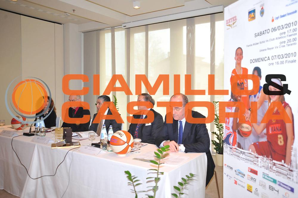 DESCRIZIONE : Venezia Lega A1 Femminile 2009-2010 Coppa Italia Conferenza Stampa <br /> GIOCATORE : <br /> SQUADRA : <br /> EVENTO : Campionato Lega A1 Femminile 2009-2010 <br /> GARA : <br /> DATA : 04/03/2010 <br /> CATEGORIA : <br /> SPORT : Pallacanestro <br /> AUTORE : Agenzia Ciamillo-Castoria/M.Gregolin<br /> Galleria : Lega Basket Femminile 2009-2010 <br /> Fotonotizia : Venezia Campionato Italiano Femminile Lega A1 2008-2009 Coppa Italia Conferenza Stampa<br /> Predefinita :