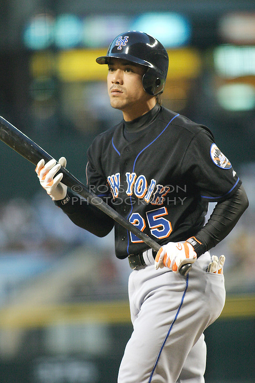 Phoenix, AZ-05-12-04 New York Mets Short Stop Kazuo Matsui gets ready to bat. Matsui had a home run in the first inning which proved to be the winner in a 1-0 victory over the Arizona Diamondbacks. Ross Mason photo