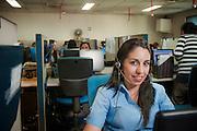 Trabajadores de Copec, Call Center. 17-12-2013 (©Alvaro de la Fuente/Triple.cl)