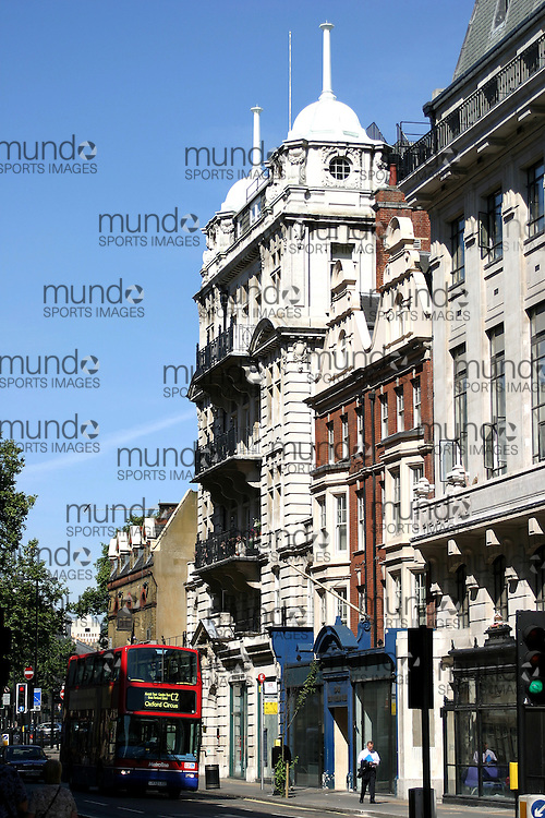 A street scene from the Knightsbridge area in London, England.