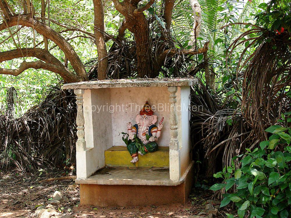 Sri Lanka. Ganesh by J.Wijeyratna off A9 road, village of Athungama.