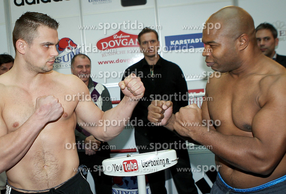 27.01.2012, City Center Bergedorf, Hamburg, GER, Universum Boxing Night, im Bild beim Wiegen Denis BOYTSOV und Darnell WILSON // during weigh for the Universum Boxing Night in Hamburg at the City Center Bergedorf, Germany 2012/01/27. EXPA Pictures © 2012, PhotoCredit: EXPA/ Eibner/ Andre Latendorf..***** ATTENTION - OUT OF GER *****