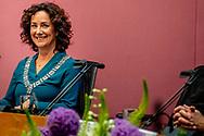 AMSTERDAM - Femke Halsema wordt tijdens een buitengewone raadsvergadering door Commissaris van de Koning Johan Remkes beedigd als burgemeester van Amsterdam. Amsterdam heeft vandaag met de komst van Femke Halsema voor het eerst een vrouwelijke burgemeester gekregen. Ze is beëdigd door de commissaris van de Koning van Noord-Holland, Johan Remkes, tijdens een buitengewone raadsvergadering. Halsema volgt Eberhard van der Laan op, die in oktober overleed. Tijdens dezelfde vergadering neemt waarnemend burgemeester Jozias van Aartsen afscheid ROBIN UTRECHT