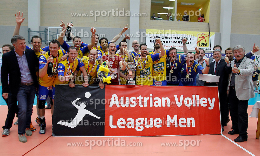 30.04.2013, Sporthalle, Bleiburg, AUT, AVL, Posojilnica Aich Dob vs HYPO Tirol Volleyballteam, Finale, Spiel 7, im Bild die Meisterfeier // during AVL Finalserie 7th Match between Posojilnica Aich Dob and HYPO Tirol Volleyballteam at the Sportcenter, Bleiburg, Austria on 2013/04/30. EXPA Pictures © 2013, PhotoCredit: EXPA/ Oskar Hoeher.