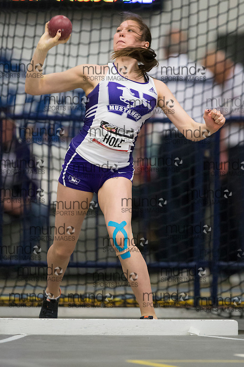 Windsor, Ontario ---2015-03-12--- Kaleigh Hole of  Western competes in the heptathlon shot put at the 2015 CIS Track and Field Championships in Windsor, Ontario, March 15, 2015.<br /> GEOFF ROBINS/ Mundo Sport Images