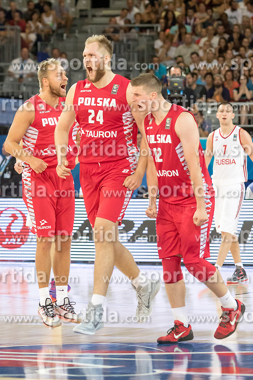 06.09.2015, Park Suites Arena, Montpellier, FRA, Russland vs Polen, Gruppe A, im Bild LUKASZ KOSZAREK (15), PRZEMYSLAW KARNOWSKI (24), PRZEMYSLAW ZAMOJSKI (17) // during the FIBA Eurobasket 2015, group A match between Russia and Poland at the Park Suites Arena in Montpellier, France on 2015/09/06. EXPA Pictures &copy; 2015, PhotoCredit: EXPA/ Newspix/ Pawel Pietranik<br /> <br /> *****ATTENTION - for AUT, SLO, CRO, SRB, BIH, MAZ, TUR, SUI, SWE only*****