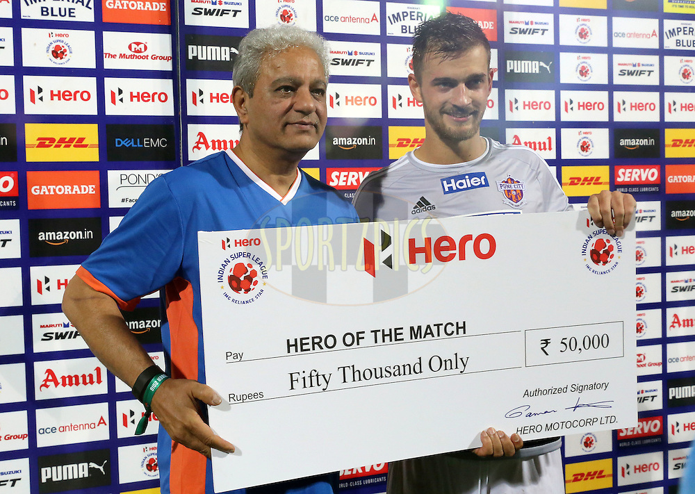 Jonatan Lucca of FC Pune City receiving the HERO of the Match during match 8 of the Indian Super League (ISL) season 3 between FC Goa and FC Pune City held at the Fatorda Stadium in Goa, India on the 8th October 2016.<br /> <br /> Photo by Faheem Hussain / ISL/ SPORTZPICS