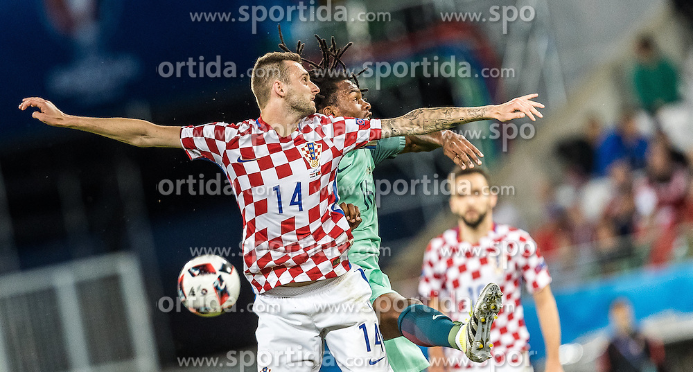 25.06.2016, Stade Bollaert Delelis, Lens, FRA, UEFA Euro 2016, Kroatien vs Portugal, Achtelfinale, im Bild Marcelo Brozovic (CRO), Renato Sanches (POR) // Marcelo Brozovic (CRO) Renato Sanches (POR) during round of 16 match between Croatia and Portugal of the UEFA EURO 2016 France at the Stade Bollaert Delelis in Lens, France on 2016/06/25. EXPA Pictures © 2016, PhotoCredit: EXPA/ JFK