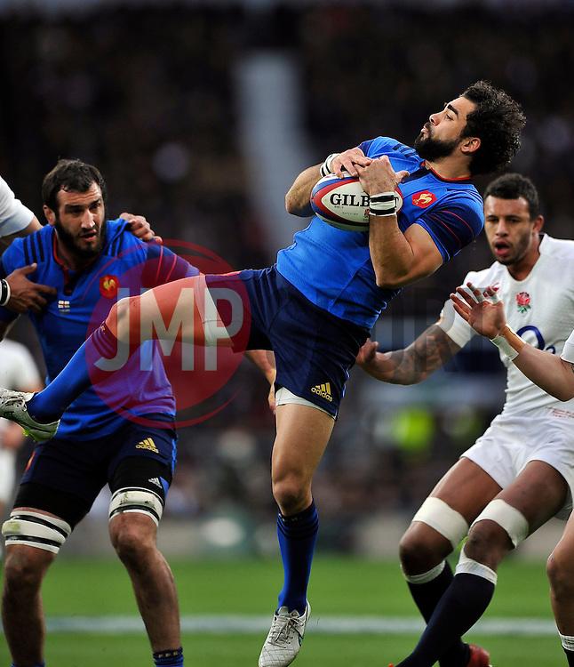 Yoann Huget of France claims the ball - Photo mandatory by-line: Patrick Khachfe/JMP - Mobile: 07966 386802 21/03/2015 - SPORT - RUGBY UNION - London - Twickenham Stadium - England v France - Six Nations Championship