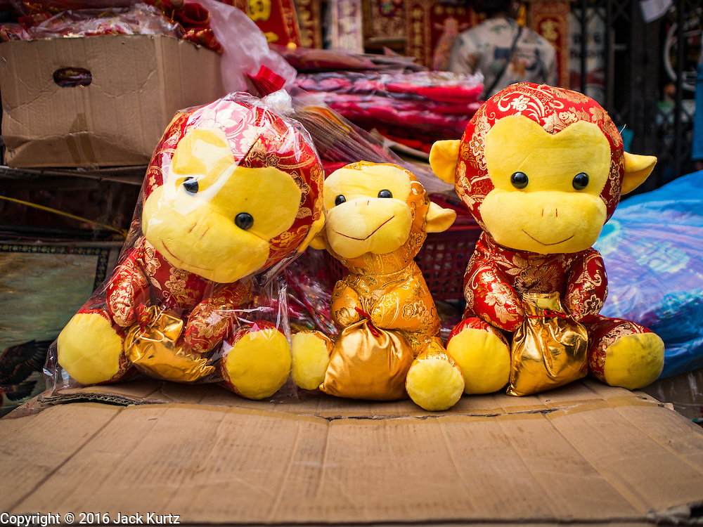 "04 FEBRUARY 2016 - BANGKOK, THAILAND:  Stuffed plush toy monkeys sold as souvenirs for Chinese New Year decorations  in Bangkok's Chinatown district, before the celebration of the Lunar New Year. Chinese New Year, also called Lunar New Year or Tet (in Vietnamese communities) starts Monday February 8. The coming year will be the ""Year of the Monkey."" Thailand has the largest overseas Chinese population in the world; about 14 percent of Thais are of Chinese ancestry and some Chinese holidays, especially Chinese New Year, are widely celebrated in Thailand.     PHOTO BY JACK KURTZ"