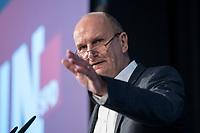 17 NOV 2018, POTSDAM/GERMANY:<br /> Dietmar Woidke, SPD, Ministerpraesident Brandenburg, haelt eine Rede, Landesprateitag der SPD Brandenburg, Kongresshotel Potsdam am Templiner See<br /> IMAGE: 20181117-01-042
