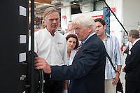 06 AUG 2009, BRAUNSCHWEIG/GERMANY:<br /> Dipl. Ing. Klaus-Henning Terschueren (L), Geschaeftsfuehrer Solvis, Carola Reimann (M), MdB, SPD, Mitglied im SPD Kompetenzteam, Frank-Walter Steinmeier (R), SPD, Bundesaussenminister und Kanzlerkandidat, Besuch der Firma Solvis GmbH & Co KG<br /> IMAGE: 20090806-01-141<br /> KEYWORDS: Sommerreise, Bundestagswahl 2009, Wahlkampf, Klaus-Henning Terschüren