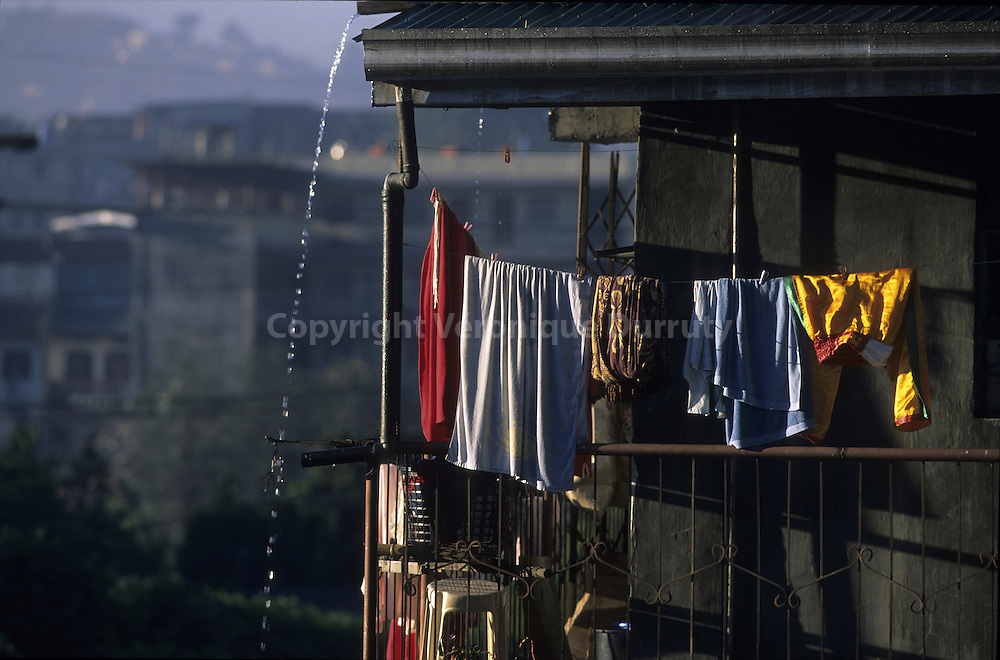 CHOTHES HANGING UP TO DRY, BAGUIO, LUZON ISLAND, THE PHILIPPINES