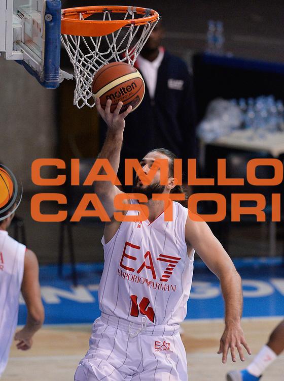 DESCRIZIONE : Bormio Lega A 2014-15 amichevole Ea7 Olimpia Milano - Stings Mantova<br /> GIOCATORE : Linas Kleiza<br /> CATEGORIA : pregame before<br /> SQUADRA : Ea7 Olimpia Milano<br /> EVENTO : Valtellina Basket Circuit 2014<br /> GARA : Ea7 Olimpia Milano - Stings Mantova<br /> DATA : 04/09/2014<br /> SPORT : Pallacanestro <br /> AUTORE : Agenzia Ciamillo-Castoria/A.Scaroni<br /> Galleria : Lega Basket A 2014-2015  <br /> Fotonotizia : Bormio Lega A 2014-15 amichevole Ea7 Olimpia Milano - Stings Mantova<br /> Predefinita :
