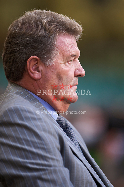CARDIFF, WALES - Wednesday, September 9, 2009: Wales' manager John Toshack MBE during the FIFA World Cup Qualifying Group 3 match against Russia at the Millennium Stadium. (Photo by David Rawcliffe/Propaganda)