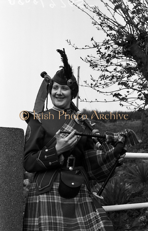 16/04/1961<br /> 04/16/1961<br /> 16 April 1961<br /> Emerald Girls Pipe Band at Howth. For Miss Pat Smyth.