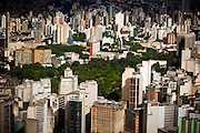 Belo Horizonte_MG, Brasil...Imagem aerea de Belo Horizonte com destaque para avenida Afonso Pena e Parque Municipal, Minas Gerais...Aerial view of Belo Horizonte. In this photo Afonso Pena avenue and Municipal Park, Minas Gerais...Foto: BRUNO MAGALHAES / NITRO