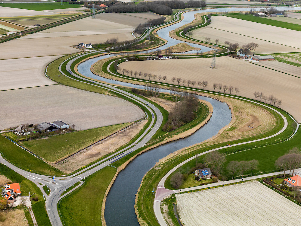 Nederland, Noord-Holland, Gemeente Anna Paulowna, 16-04-2012; water van de Boezem van de Zijpe of Hooge Oude Veer. Anna Paulownapolder.Polder in Noord-Holland, bottom of the sea. Canal for water manegement..luchtfoto (toeslag), aerial photo (additional fee required);.copyright foto/photo Siebe Swart