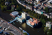 Nederland, Groningen, Groningen Stad, 08-09-2009; Groninger Museum in het water van de Zwaaikom van het Verbindingskanaal, het museumeiland vormt de entree tot de binnenstad. .Groninger Museum in the water of the turning basin of the Verbindingskanaal (canal), the museum island is the entry to the city centre.Voorbeeld/Example Postmodernisme / Deconstructivisme (architecten/architects Coop Himmelb(l)au, Alessandro Mendini, Philippe Starck.luchtfoto (toeslag); aerial photo (additional fee required); .foto Siebe Swart / photo Siebe Swart