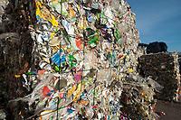 03 JAN 2012, BERLIN/GERMANY:<br /> Wertstoff Weissblech nach der Sortierung, Sortieranlage fuer Anfall / Wertstoffe aus der Gelben Tonne, Alba Recycling GmbH, Berlin-Mahlsdorf<br /> IMAGE: 20120103-01-025<br /> KEYWORDS: Wertstoffe, Recycling, Alba Group, Urban Mining, Gelber Sack, Gruener Punkt, Grüner Punkt, Duales System, Muell. Müll. Verwertung