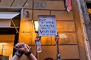 Roma 8 Giugno 2015<br /> Gli insegnanti protestano contro le riforme della scuola di Renzi mentre &egrave; in corso la Direzione del Partito Democratico con Matteo Renzi, davanti  alla sede del Nazareno.<br /> Rome June 8, 2015<br /> The teachers are protesting against Renzi's school reforms, while it is in progress, the Directorate of the Democratic Party with Matteo Renzi in front of the headquarters of the Nazarene.