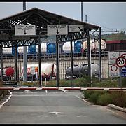 Nella fotografia: l'ingresso di accesso ai TIR per trasbordo di autocisterne su ferrovia...Interporto ferroviario Orbassano
