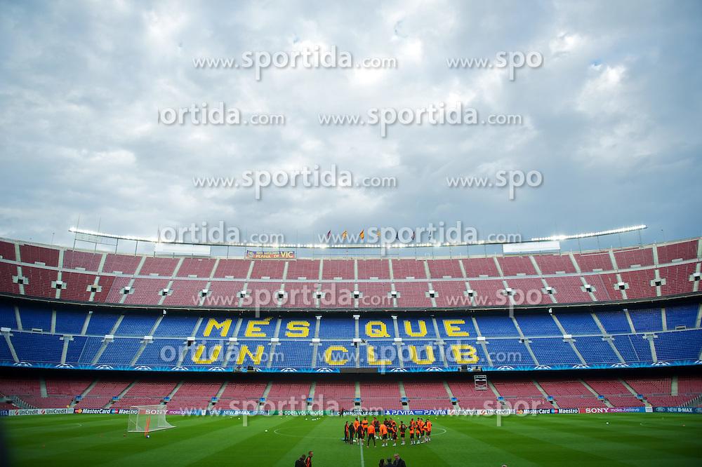 23.04.2012, Stadion Camp Nou, Barcelona, ESP, UEFA CL, Halblfinal-Rueckspiel, FC Barcelona (ESP) vs FC Chelsea (ENG), im Bild Chelsea's players ahead the UEFA Championsleague Halffinal 2st Leg Match, between FC Barcelona (ESP) and FC Chelsea (ENG), at the Camp Nou Stadium, Barcelona, Spain on 2012/04/23. EXPA Pictures © 2012, PhotoCredit: EXPA/ Propagandaphoto/ David Rawcliff..***** ATTENTION - OUT OF ENG, GBR, UK *****