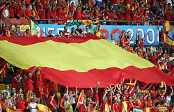Fans of Spain with a flag before the UEFA EURO 2008 Quarter-Final soccer match between Spain and Italy at Ernst-Happel Stadium, on June 22,2008, in Wien, Austria.  (Photo by Vid Ponikvar / Sportal Images)