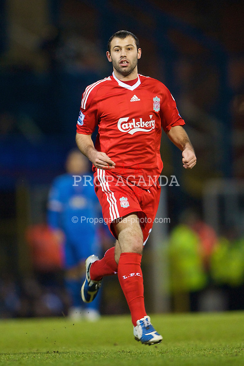 PORTSMOUTH, ENGLAND - Saturday, February 7, 2009: Liverpool's Javier Mascherano in action against Portsmouth during the Premiership match at Fratton Park. (Mandatory credit: David Rawcliffe/Propaganda)