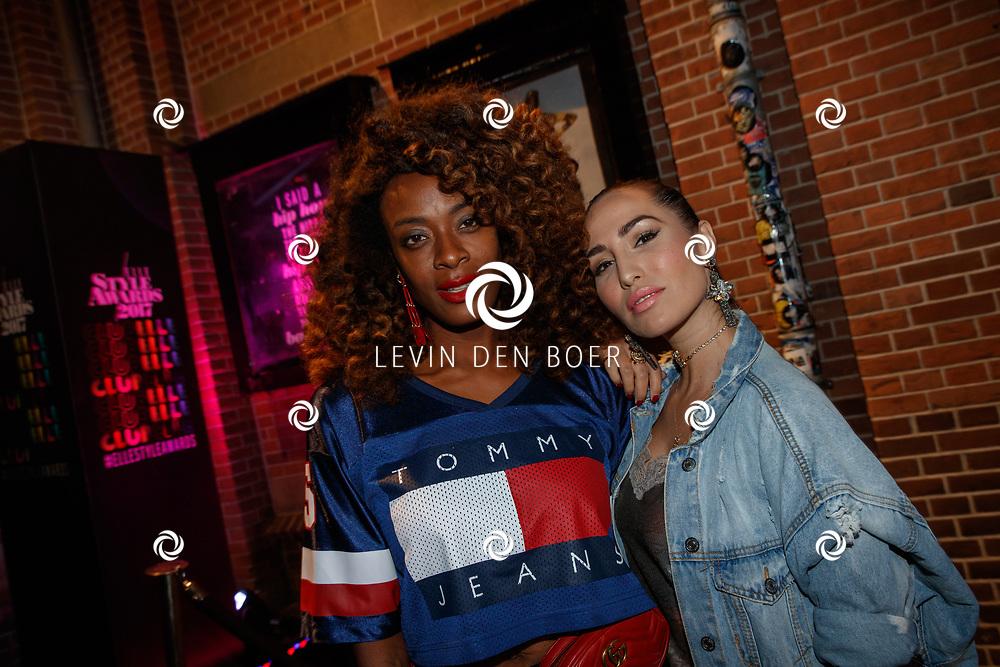 AMSTERDAM - In club Panama zijn de Elle Style Awards 2017 gehouden. Met hier op de rode loper Maureen Powel (l) en Nadeche de Zwart (r). FOTO LEVIN & PAUL PHOTOGRAPHY VOF