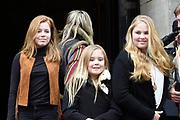 Prinses Beatrix geeft in het Koninklijk Paleis in Amsterdam een verjaardagsontvangst voor familie, vrienden en bekenden. Prinses Beatrix werd afgelopen woensdag tachtig jaar en vierde haar verjaardag in besloten kring.<br /> <br /> Princess Beatrix gives a birthday reception for family, friends and acquaintances at the Royal Palace in Amsterdam. Princess Beatrix was eighty years old last Wednesday and fourth birthday in private.<br /> <br /> Op de foto / On the photo:  Koningin Maxima met de prinsessen Amalia, Alexia en Ariane //  Queen Maxima  with  daughters, the princesses Amalia, Alexia and Ariane