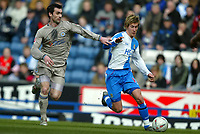 Fotball<br /> FA-cup 2005<br /> 5. runde<br /> Blackburn v Leicester<br /> 13. mars 2005<br /> Foto: Digitalsport<br /> NORWAY ONLY<br /> Morten Gamst Pedersen of Blackburn chases for the ball with Keith Gillespie of Leicester