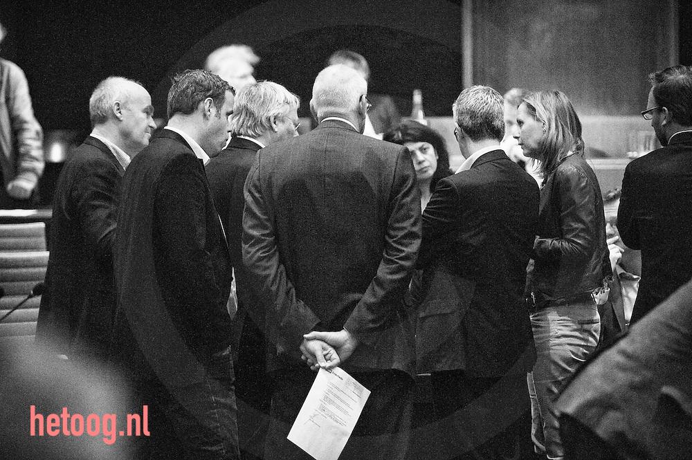 nederland enschede debat over vliegveld twente 14-04-2014 gemeenteraad enschede 21:34 uur